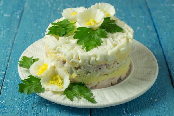 салат с печенью трески рецепт с рисом