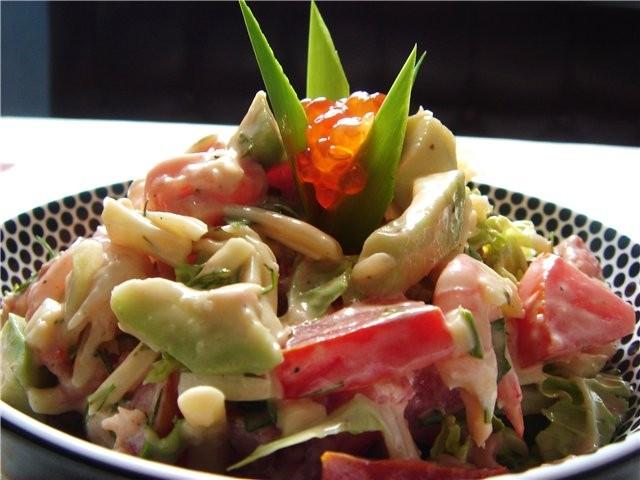 Салат с фасолью и крабовыми палочками