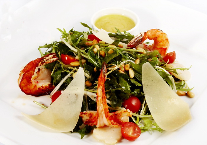 рукола салат рецепты креветками