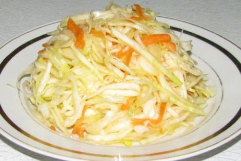 салат из свежей капусты и кунжута