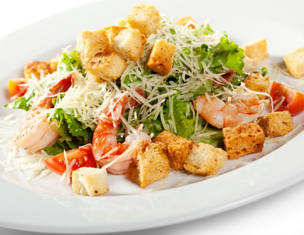 Салат цезарь с креветкой рецепт