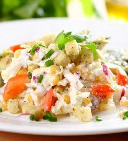 Салат из китайской капусты со сладкой кукурузой