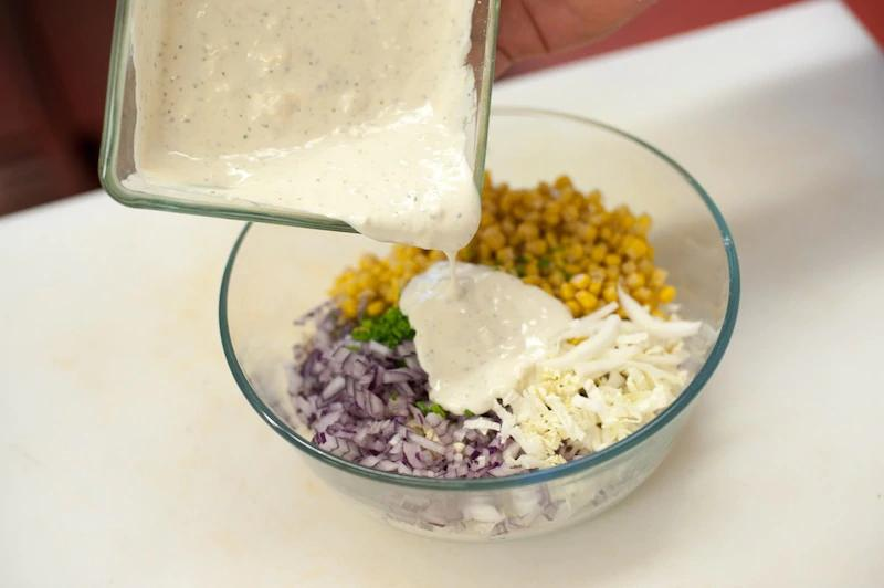 salat-iz-kitajskoj-kapusty-so-sladkoj-kukuruzoj